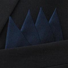 Färdigvikt bröstnäsduk Fyrspets FN043 Mörkblå