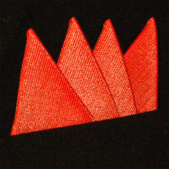 Färdigvikt bröstnäsduk Fyrspets FN053 Korall/Röd